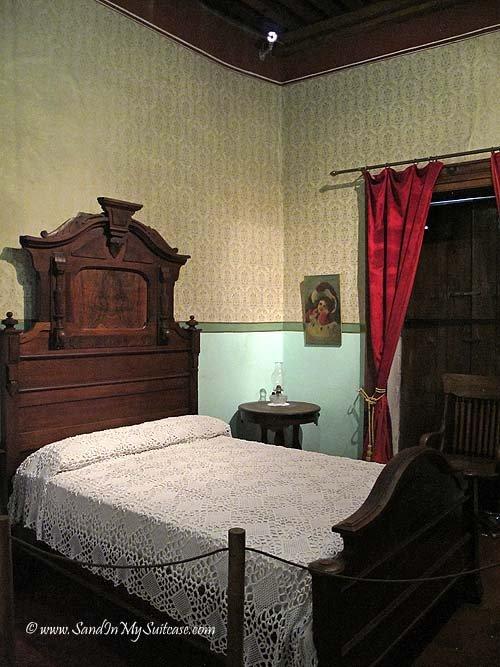 A bedroom in Diego's house