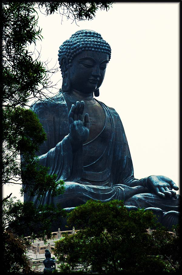 Hong Kong hiking - Buddha on Lantau Island - photo Jack Zalium