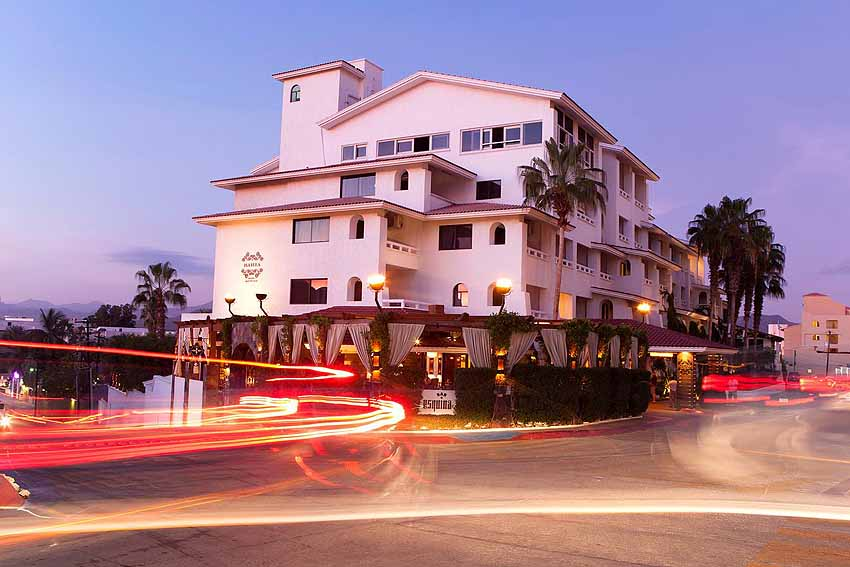 Only a block away from the beach... photo Bahia Hotel