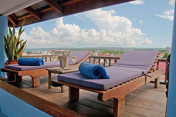 Rooftop terrace of Palace Suite Dania - courtesy Zanzibar Palace Hotel