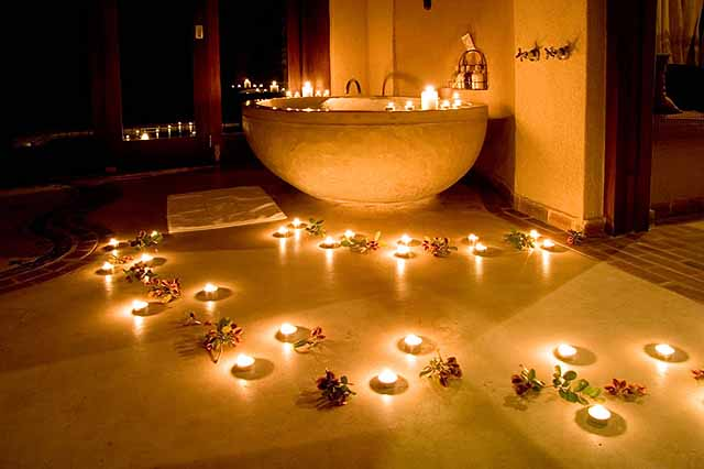How romantic is this? Bathroom at turndown - credit Simbambili Game Lodge