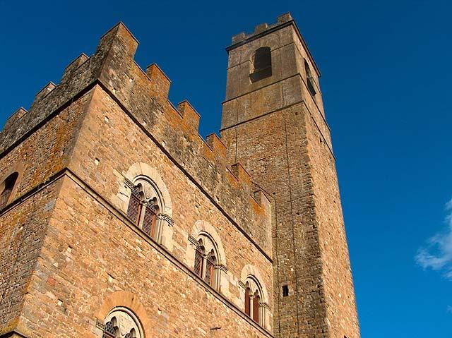 Poppi Castle, aka Castle of the Guidi Counts - credit Renzo Ferrante