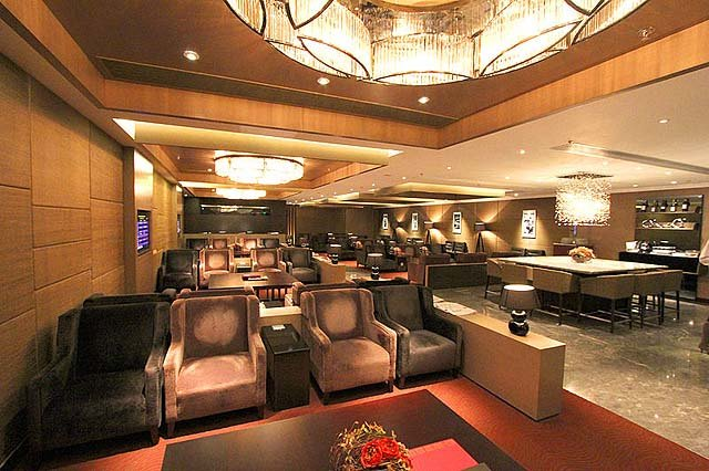 In Hong Kong, Priority Pass members can use this Plaza Premium Lounge, East Hall