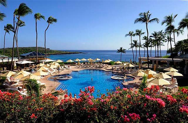 Pool at Manele Bay - photo Four Seasons Lanai