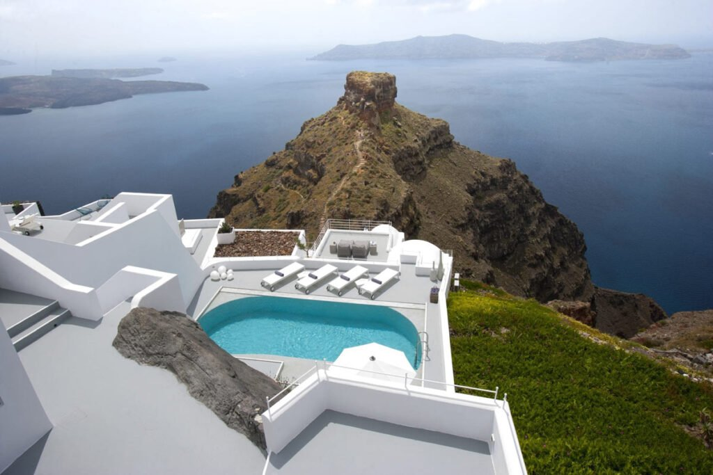 Grace Santorini Review
