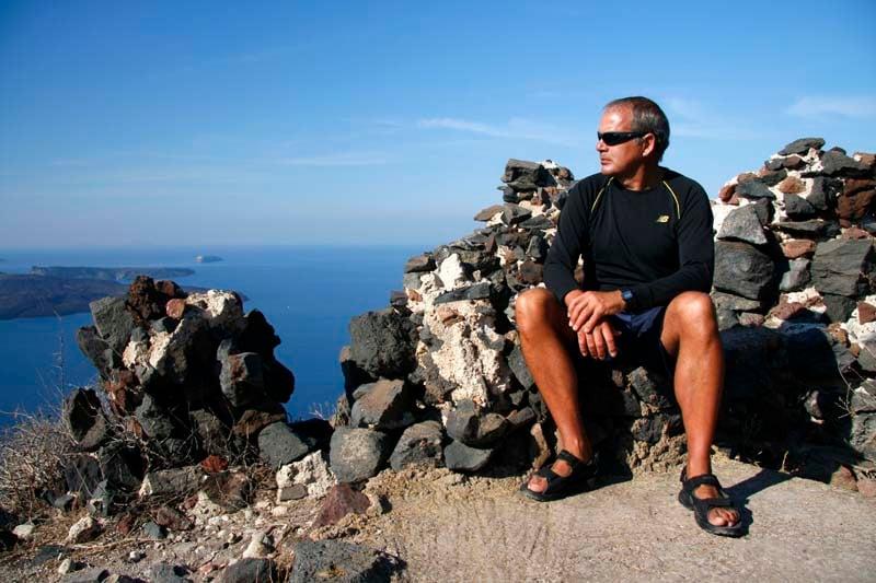 where to stay in santorini - hiking skaros rock