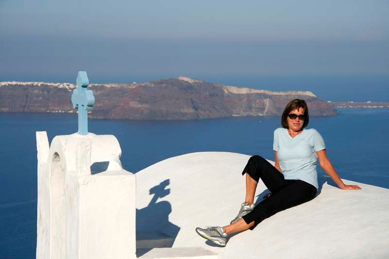 Out and about walking between Fira and Imerov