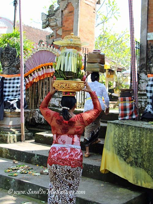 Basket Weaving Ubud : Fall in love with ubud the cultural heart of bali sand