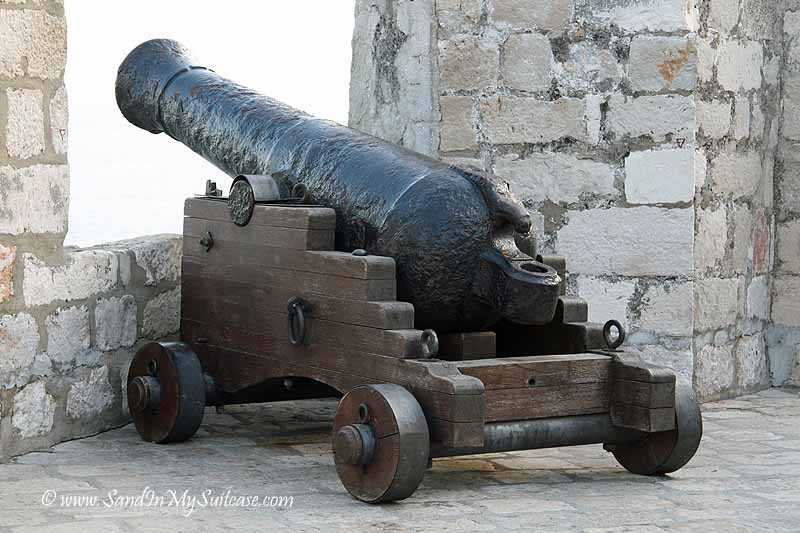 Dubrovnik city wall - cannon