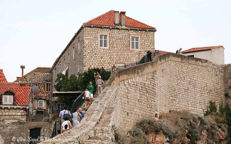 walking the Dubrovnik city wall