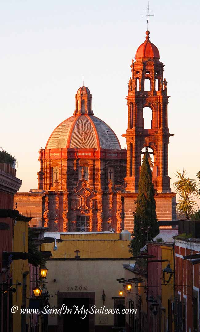 travel to San Miguel de Allende - Church of the Immaculate Conception