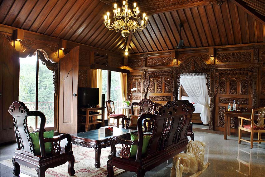 Our villa's living room looked like this - photo Ayung Resort Ubud