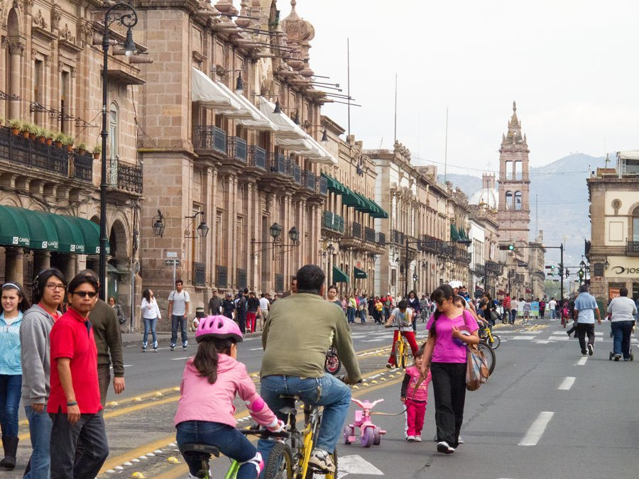 Things to do in Morelia? Enjoy the Sunday festivities