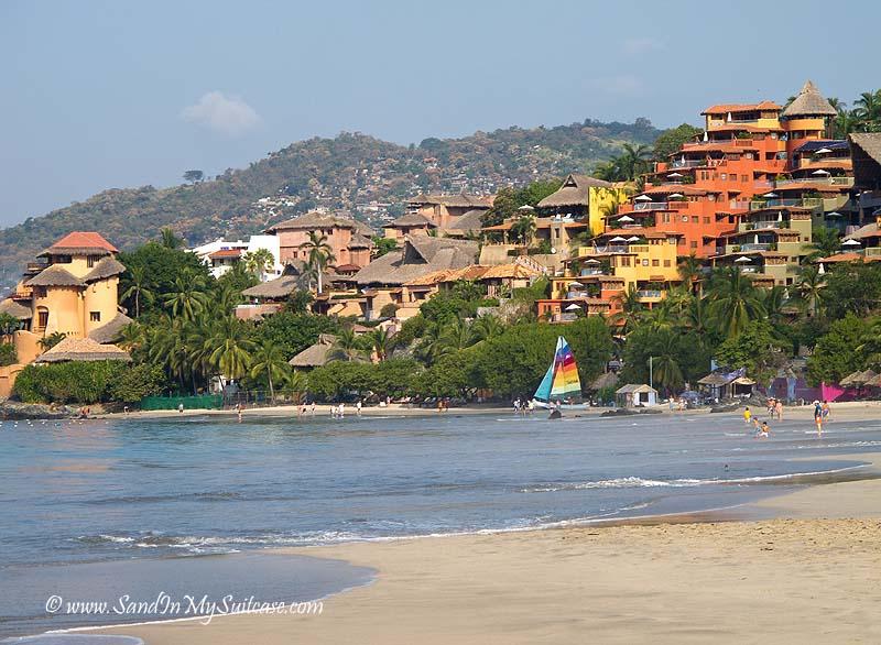 Zihuatanejo beaches - Playa La Ropa beach