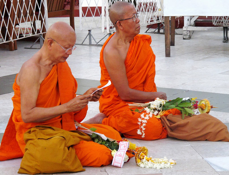Visiting monks from Thailand at the Shwedagon Pagoda