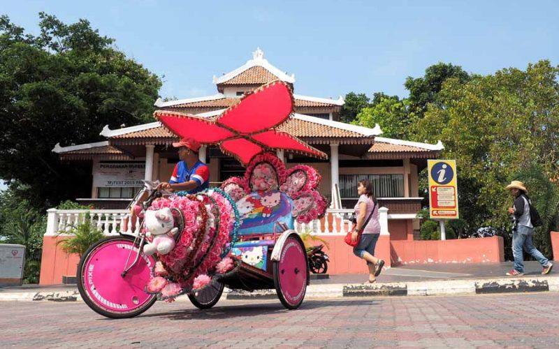 malacca trishaw