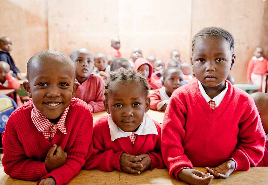travel philanthropy - Nairobi school children
