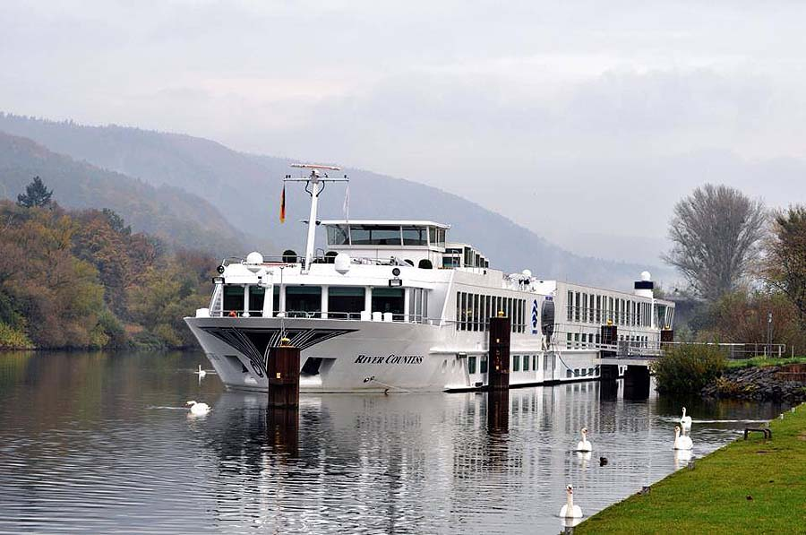 people love river cruising - River Countess Uniworld