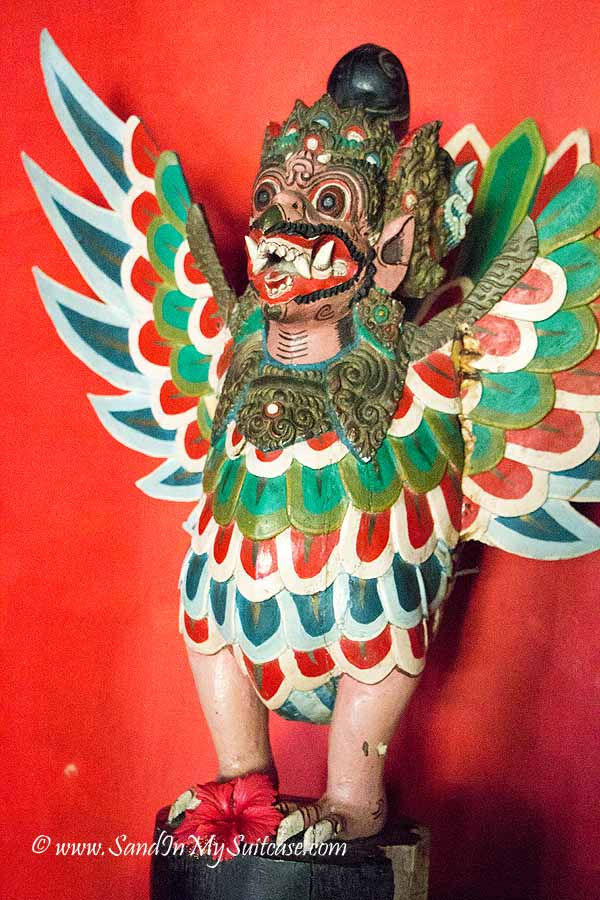 Tugu Lombok review - antique