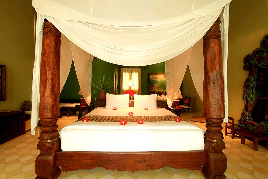 Tugu Lombok - four poster bed