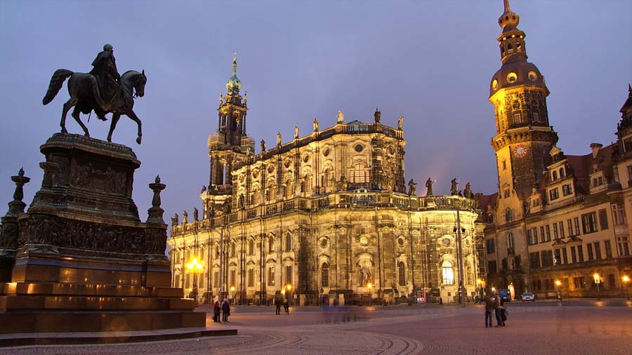 Dresden attractions - beautiful baroque buildings