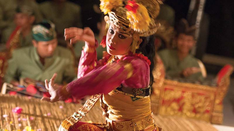 Four Seasons Sayan review - Balinese dance