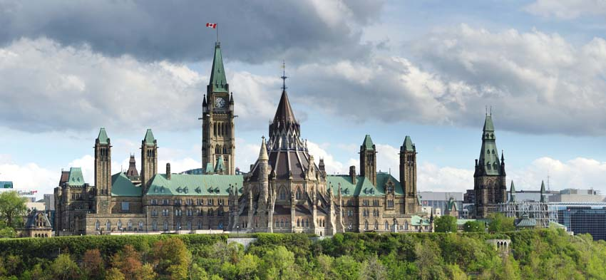 winter guide to ottawa - parliament
