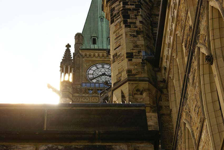 winter guide to ottawa - peace tower