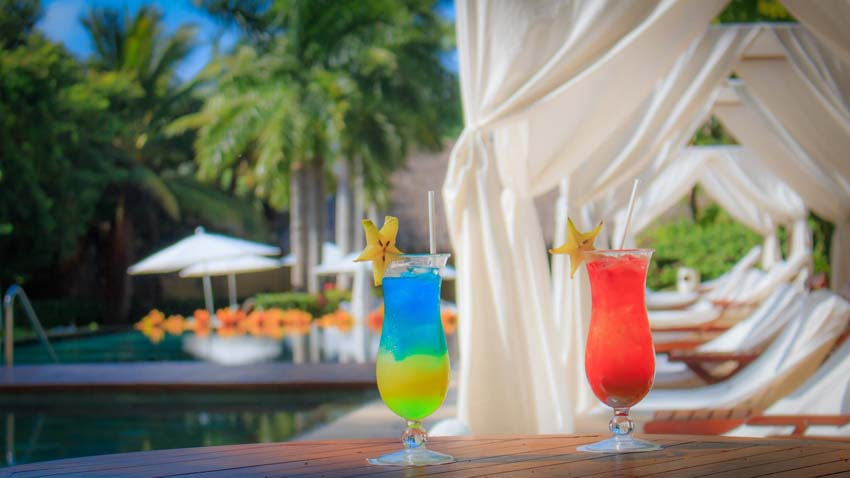 grand velas riviera maya food - drinks by the pool