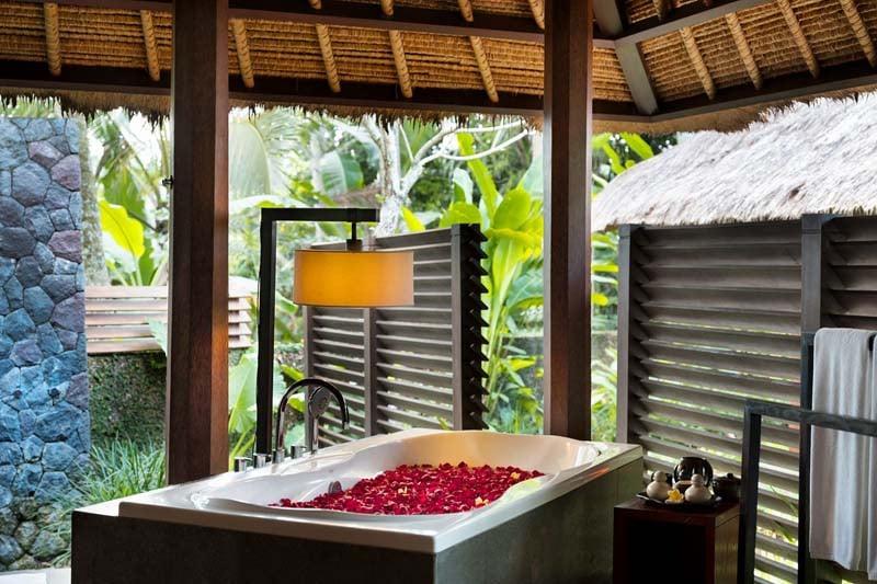 Outdoor bathroom at Kayumanis Ubud