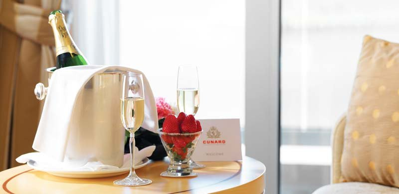 Welcome! Champagne and strawberries greet you in your suite - photo Cunard