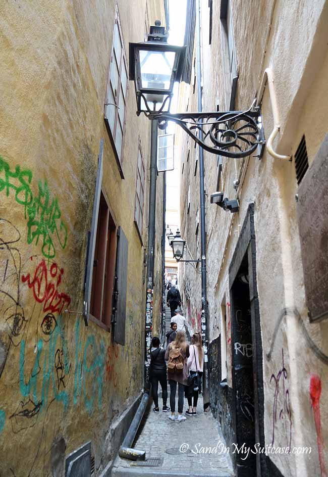 walking gamla stan - alley of marten trotzig