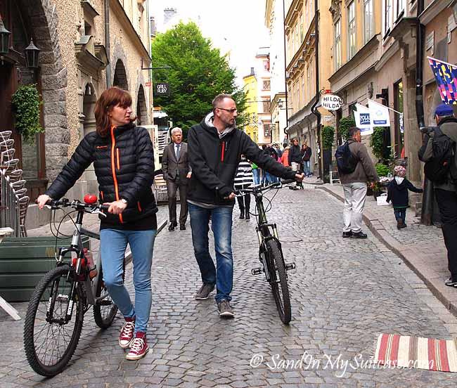 walking gamla stan - bicycles