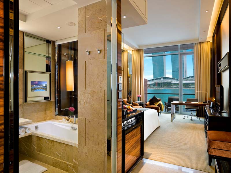 Stylish Glamor At Singapore S Fullerton Bay Hotel Sand