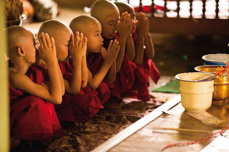 young-monks-photo-belmond