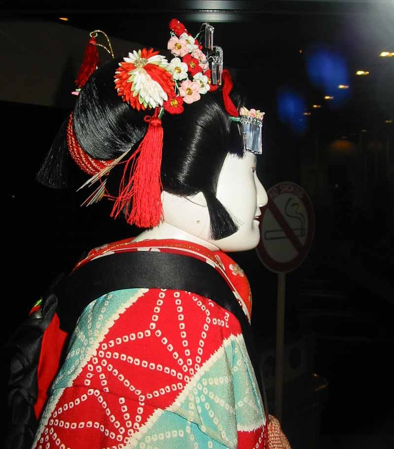 Bunraku puppet theater is one reason why it's worth visiting Osaka