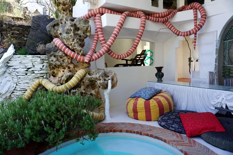 Salvador Dali House swimming pool