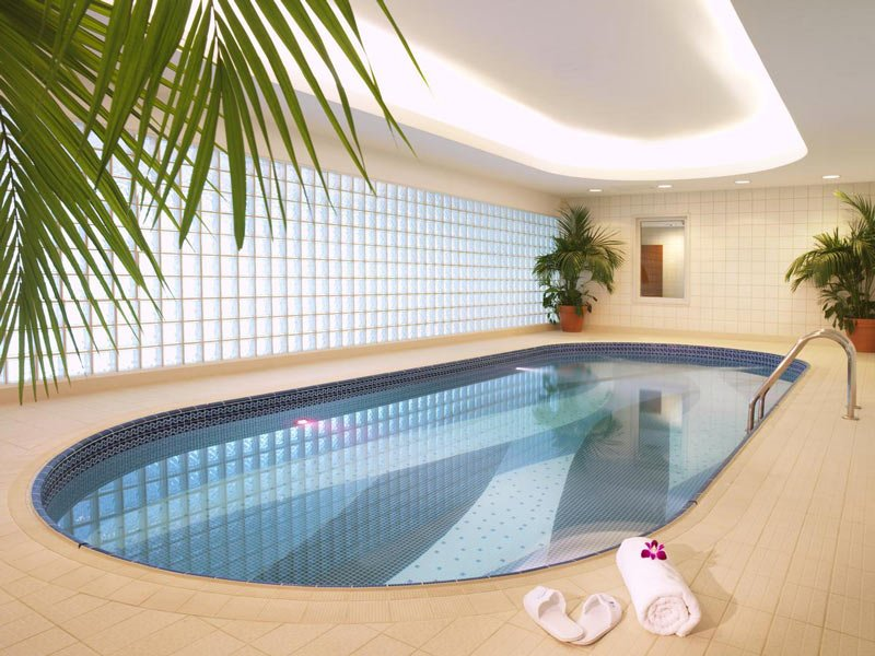 Dubai Airport transit hotel pool