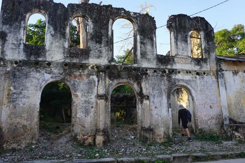 Mozambique - Ibo Island - colonial ruin