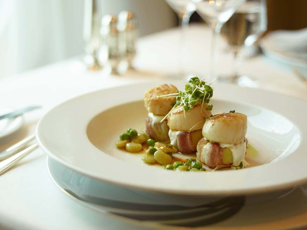 dining on Seabourn Cruise Line