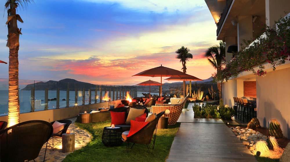 Beachside bar at Grand Velas Los Cabos