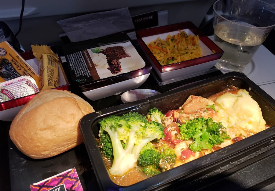 Qatar Airways Economy Class food