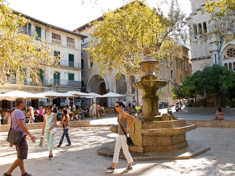 Plaza de la Constitucion in Soller