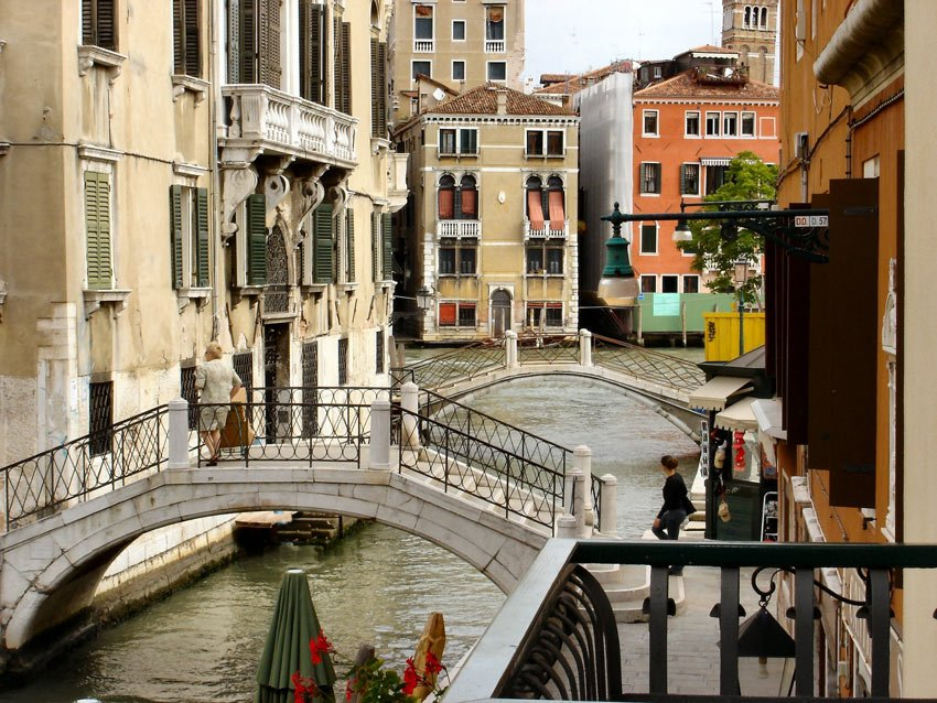 Venice: City of Bridges