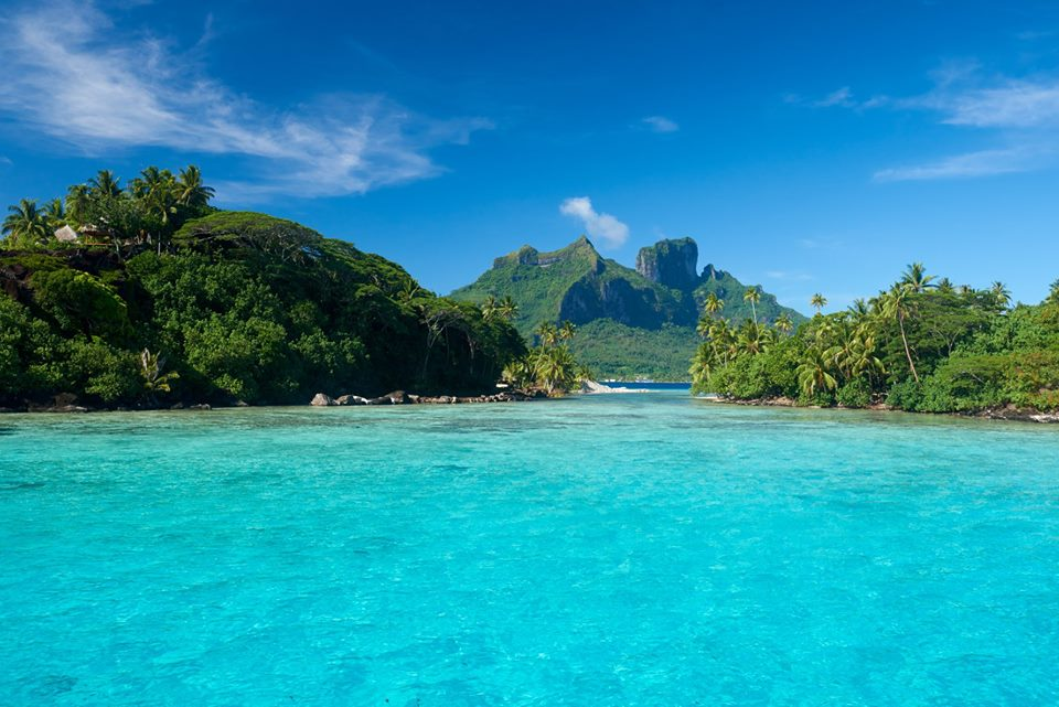 Cruising to Bora Bora