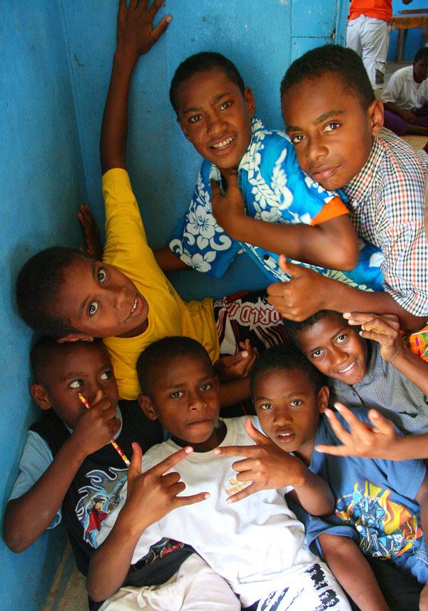 These Fijian school children love posing for the camera!