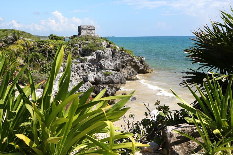 Perched overlooking the turquoise sea, Tulum is perhaps the prettiest of all the Mayan ruins in Mexico