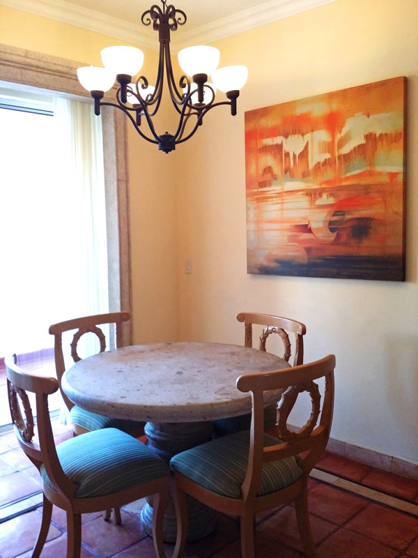 The dining area in a one-bedroom unit at Pueblo Bonito Rose