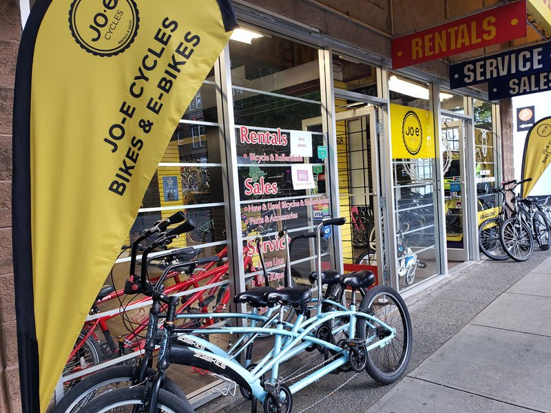 There are lots of models to choose from at Jo-E cycles for your Stanley Park bicycle rental