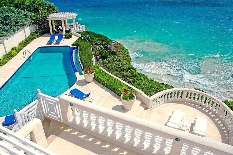 Cragmere Villa in Barbados has 5 ensuite bedrooms
